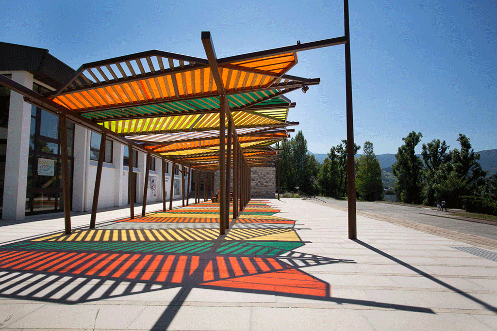 agence_aps_campus_jacob_bellecombette_USMB_pergola_colorée